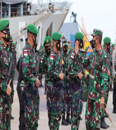 Pangdam II/Swj Pimpin Upacara Pengantaran Satgas Pamtas RI-Malaysia Yonif 144/JY