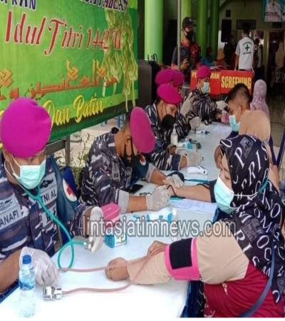 TNI AL Korps Marinir Laksanakan Serbuan Vaksinasi Di Desa Pabean Sidoarjo